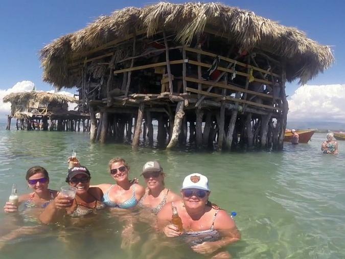 Floyds_Pelican_Bar_Jamaica